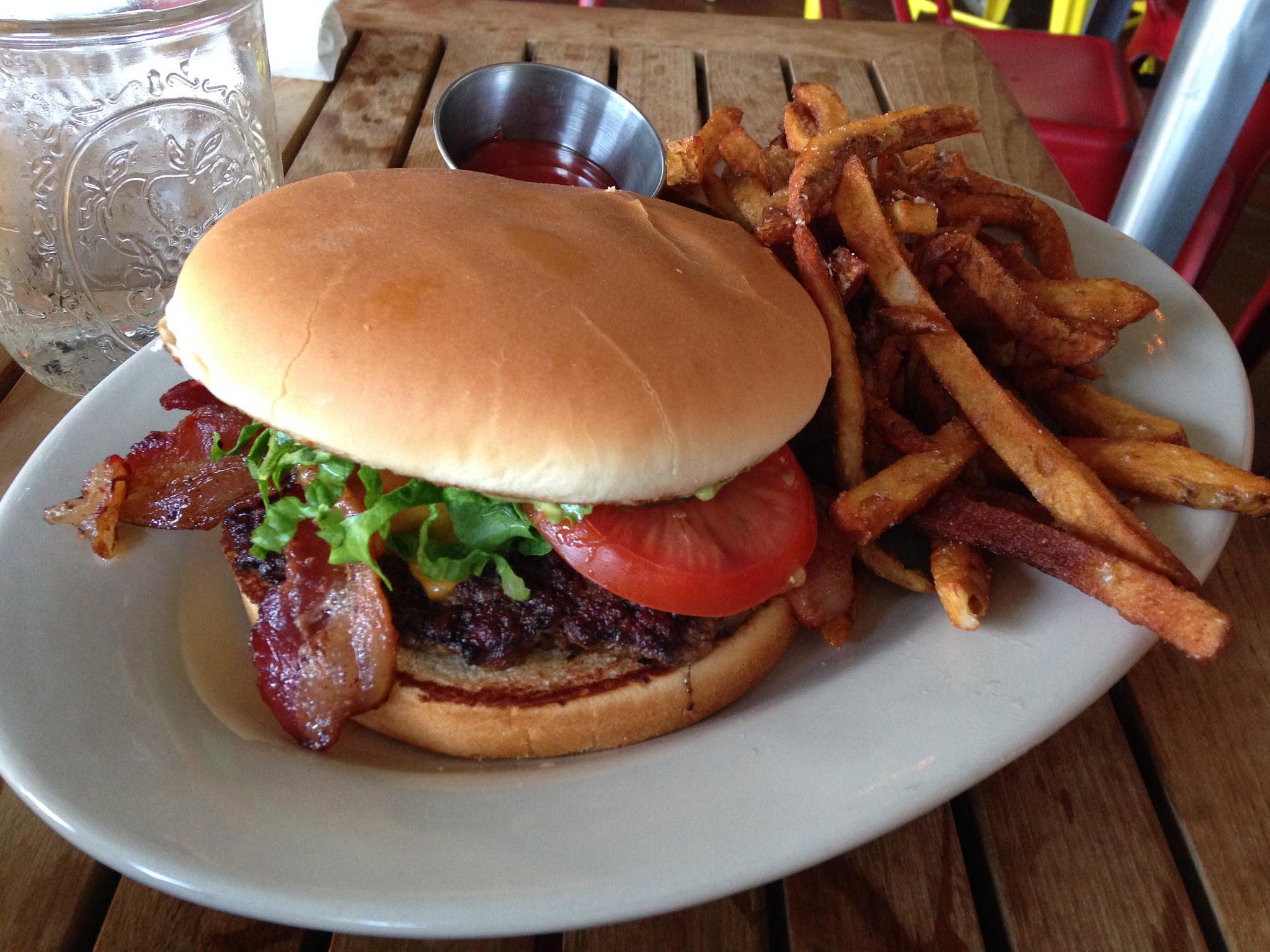el-sapo-burgers-austin5