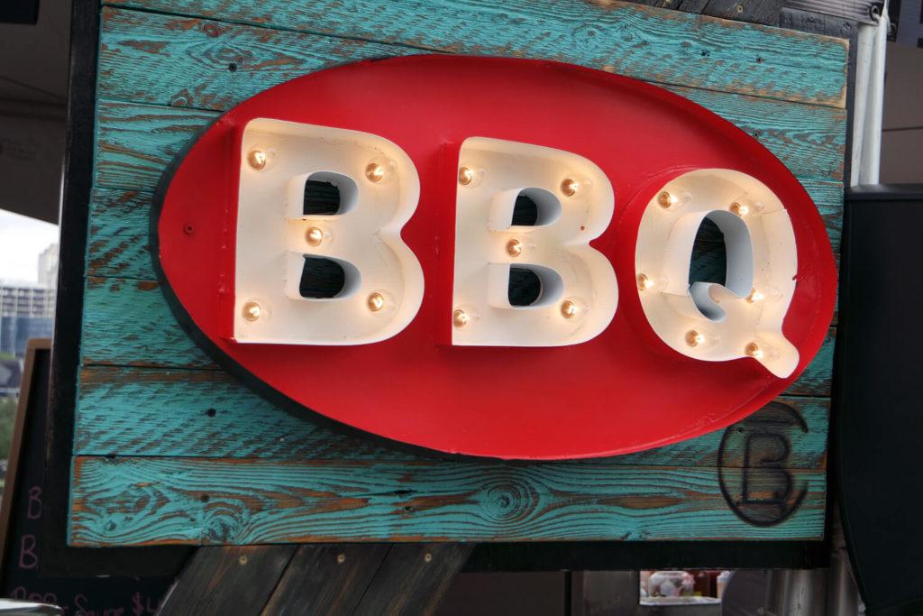 BBQ illuminated sign