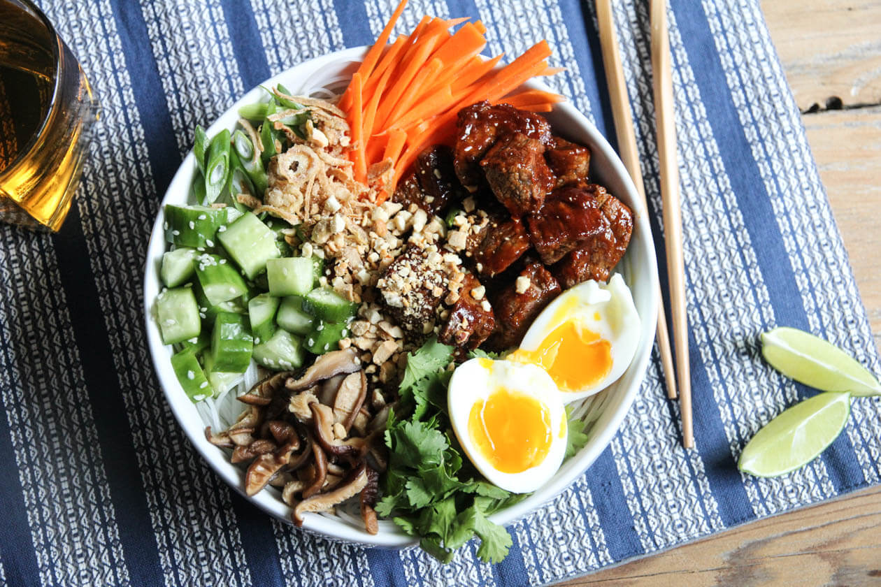 korean gochujang cold noodle bowl